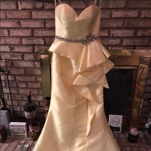 Terani Couture beautiful yellow mermaid gown